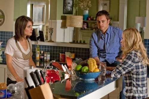 Life UneXpected: Kerr Smith, Brittany Robertson e Shiri Appleby nell'episodio Bong Intercepted