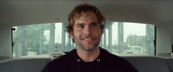Seann William Scott in un'immagine tratta dal film Cop Out