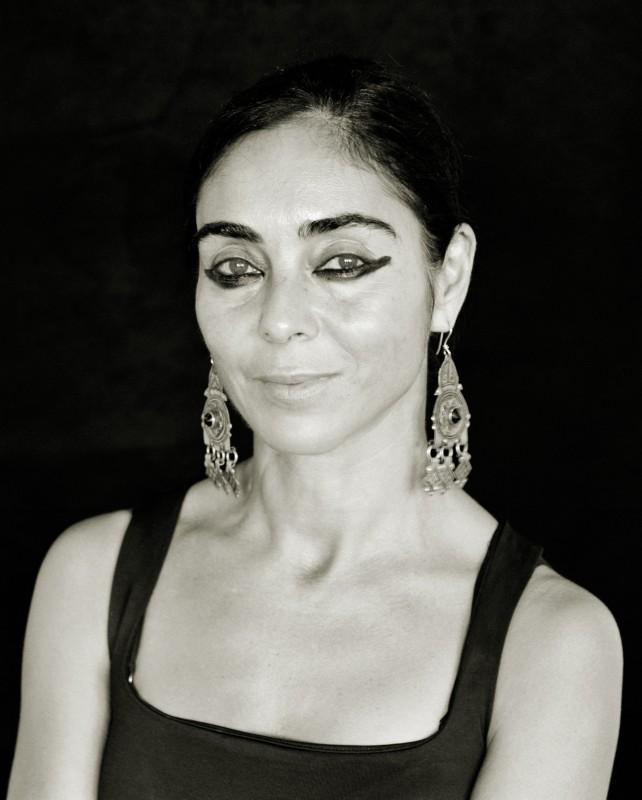 Un'immagine di Shirin Neshat, regista del film Donne senza uomini