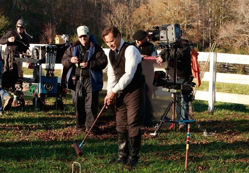 James Remar gioca a cricket durante le riprese dell'episodio Children of the Damned di The Vampire Diaries