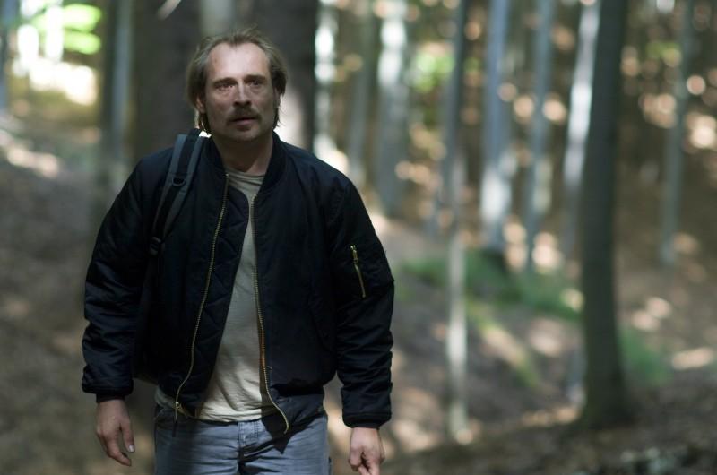 Johannes Krisch in un'immagine del film Revanche