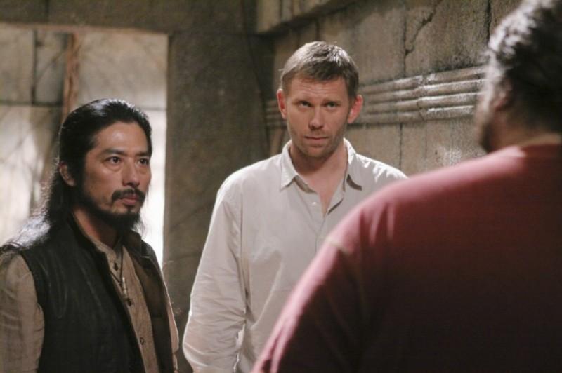 Lost: Hiroyuki Sanada, Mark Pellegrino e Jorge Garcia (di spalle) in una scena dell'episodio Lighthouse