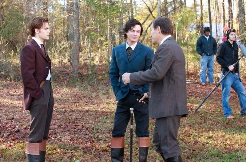 Paul Wesley, Ian Somerhalder e James Remar sul set dell'episodio Children of the Damned