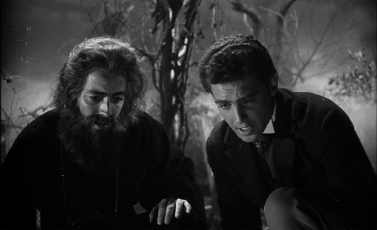 John Richardson e Antonio Pierfederici in una scena del film La maschera del demonio