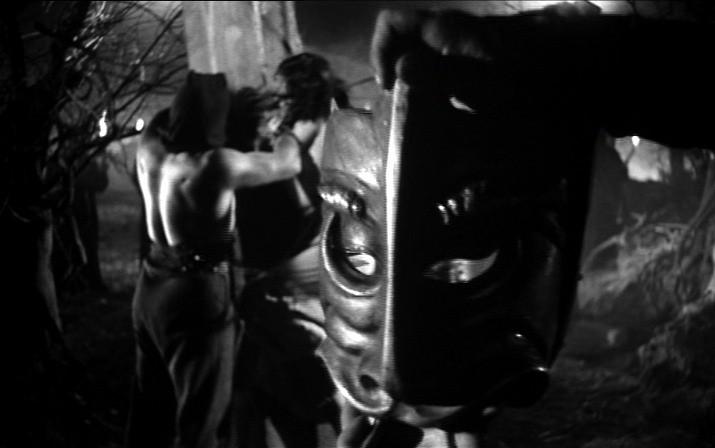 Una inquietante scena del film La maschera del demonio ( 1960 )
