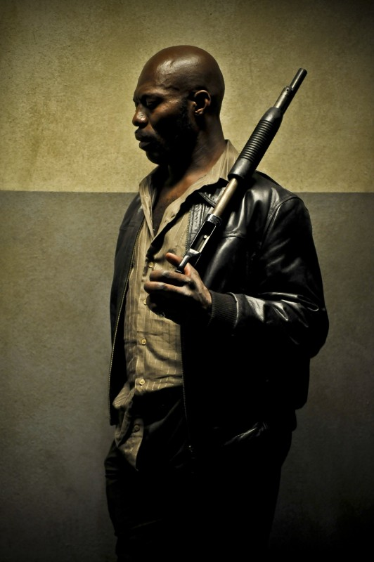 Eriq Ebouaney in un'immagine del film The Horde