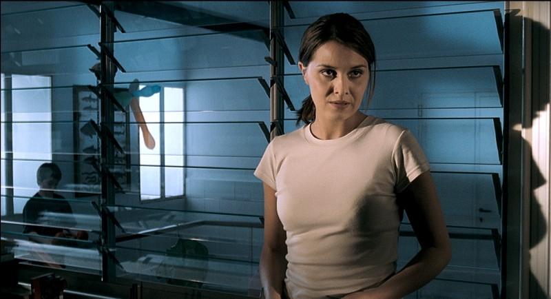 Paola Cortellesi in una scena del film La fisica dell'acqua