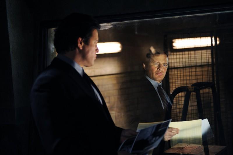Costas Mandylor in un'immagine riflessa nel film Saw VI