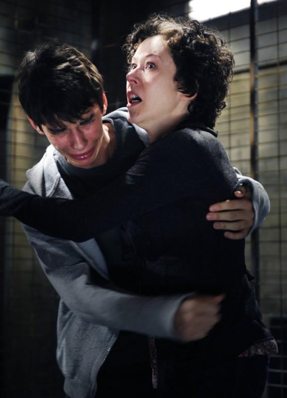 Devon Bostick e Shauna MacDonald in una scena del film Saw VI