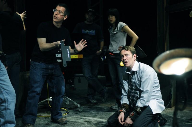 Il regista Kevin Greutert e Peter Outerbridge sul set di Saw VI