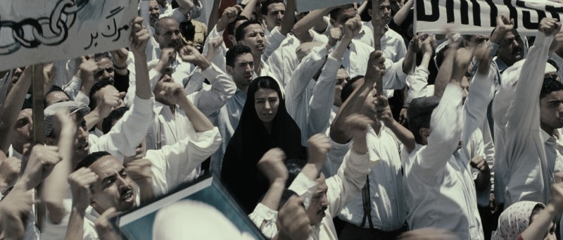 Pegah Ferydoni in un'immagine del film Donne senza uomini