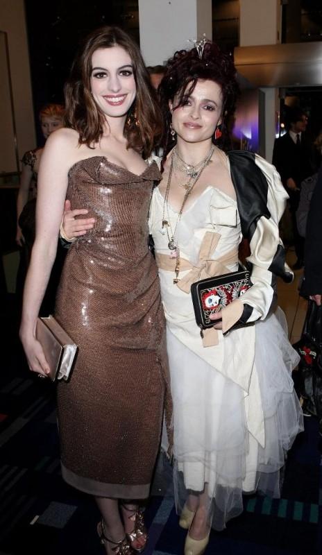 Helena Bonham Carter e Anne Hathaway alla Royal World Premiere di Alice In Wonderland