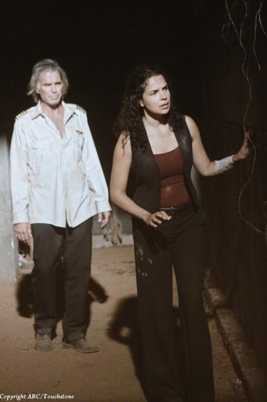Jeff Fahey e Zuleikha Robinson nell'episodio Sundown di Lost