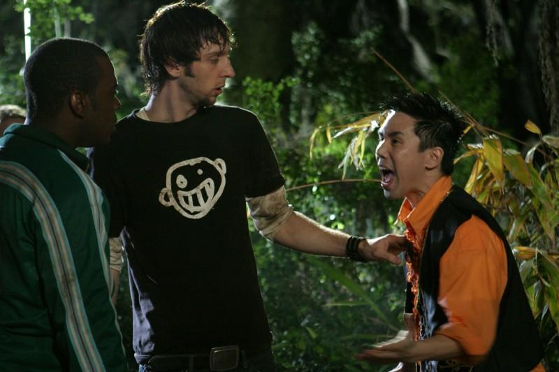 Joel David Moore, Deon Richmond e Parry Shen in una scena di Hatchet