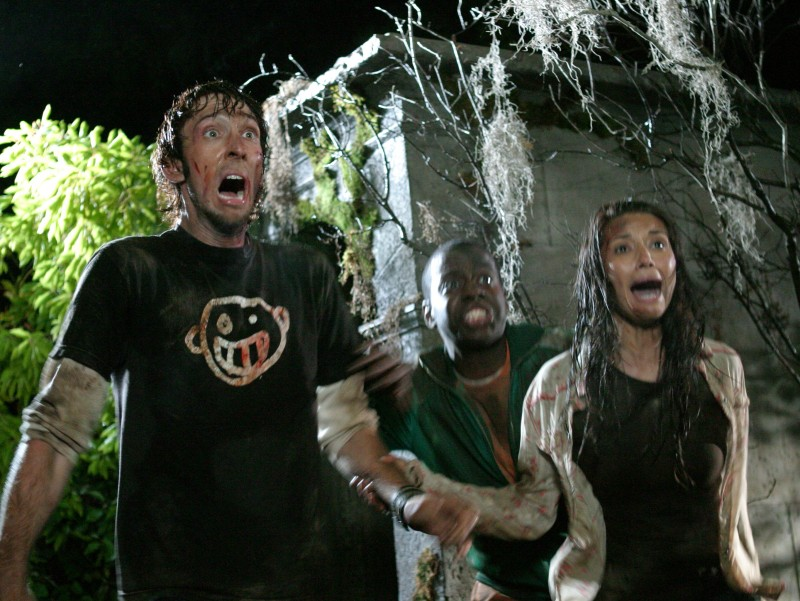 Joel David Moore, Deon Richmond e Tamara Feldman in una scena di Hatchet