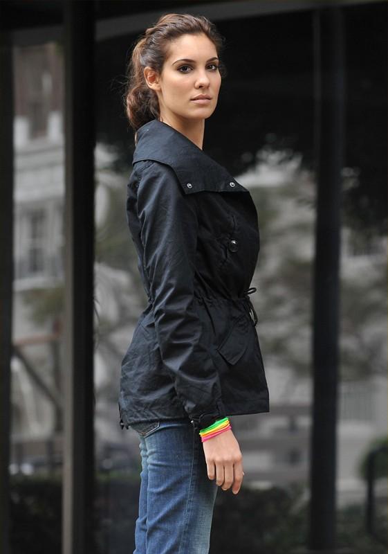 Kensi Blye (Daniela Ruah) in una sequenza dell'episodio The Bank Job di NCIS: Los Angeles