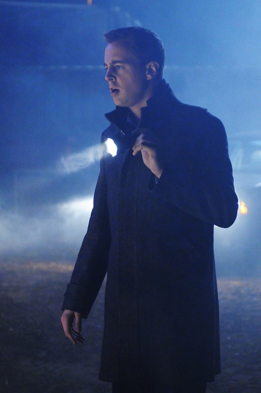 McGee (Sean Murray) durante un'indagine in una sequenza dell'episodio Jack Knife di N.C.I.S.