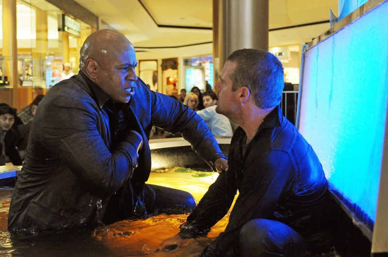 Una scena dell'episodio LD50 di NCIS: Los Angeles con LL Cool J e Chris O'Donnell