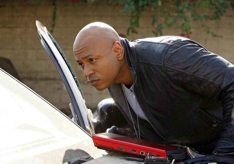Una scena dell'episodio Missing di NCIS: Los Angeles con LL Cool J (Agente Speciale Sam Hanna)