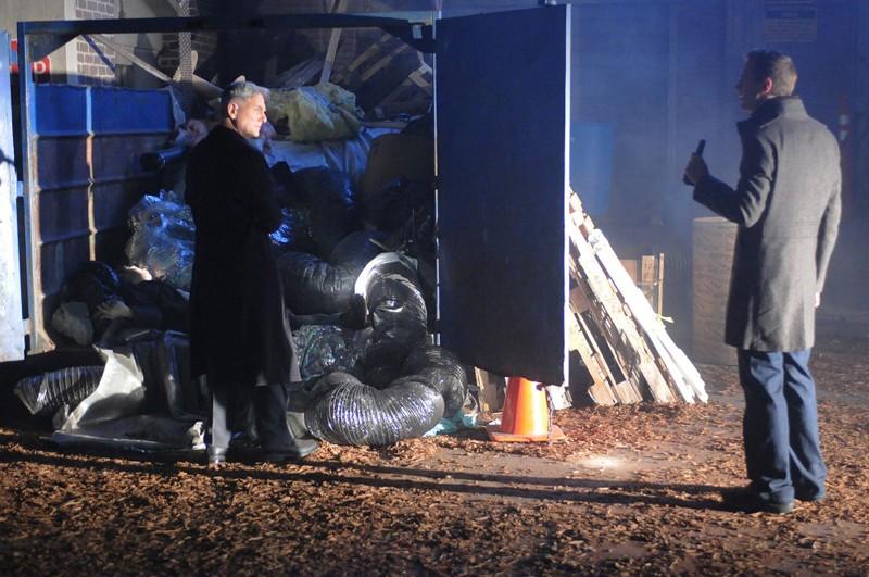 Una sequenza dell'episodio Jack Knife di N.C.I.S. con Mark Harmon e Sean Murray