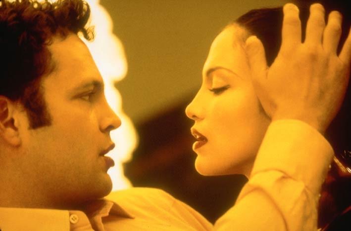 Vince Vaugh e Jennifer Lopez in una scena del thriller The Cell - La Cellula
