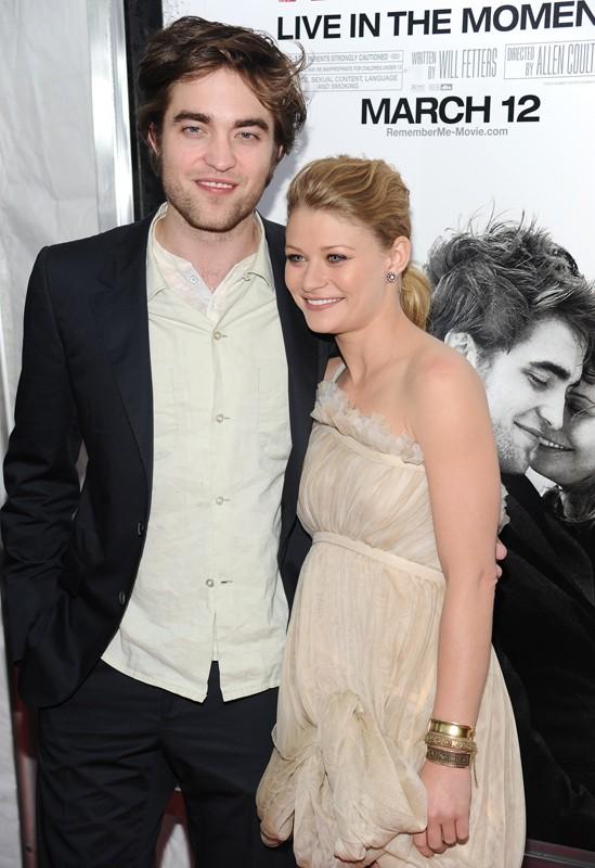 Emilie de Ravin e Robert Pattinson alla premiere del film Remember Me a New York, l'1 Marzo 2010