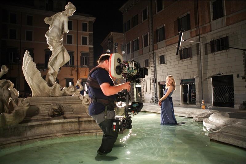 Kristen Bell sul set del film When in Rome