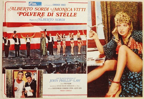 Monica Vitti in una lobbycard di Polvere di Stelle