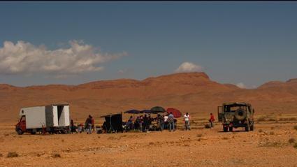Un'immagine del set del 'film nel film' da Venti sigarette