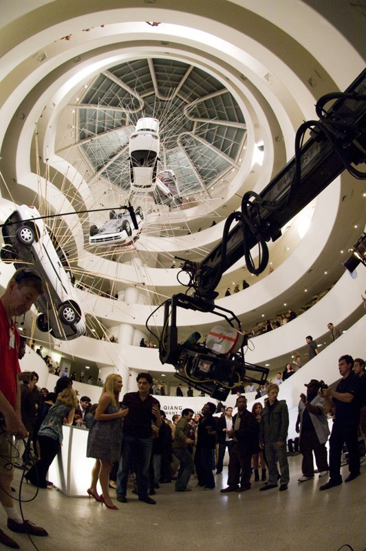 Un'immagine, dietro le quinte, all'interno del Guggenheim Museum per il film When in Rome