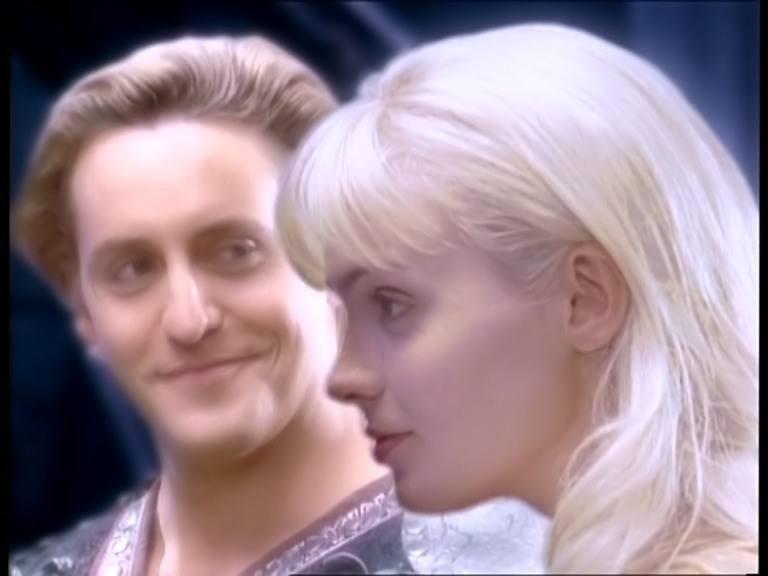 """Charles Mesure & Hudson Leick in una scena del telefilm \""""Xena\"""" nell\'episodio \""""Fallen angel\"""""""
