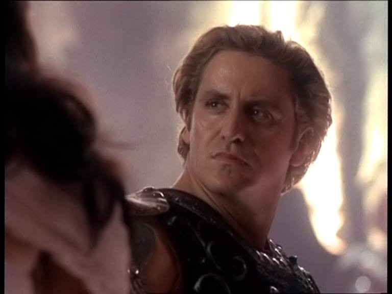 """Charles Mesure in una scena nell\'episodio \""""Fallen angel\"""" del telefilm \""""Xena\"""""""