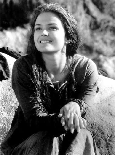 Dina Meyer in una foto promozionale di DragonHeart