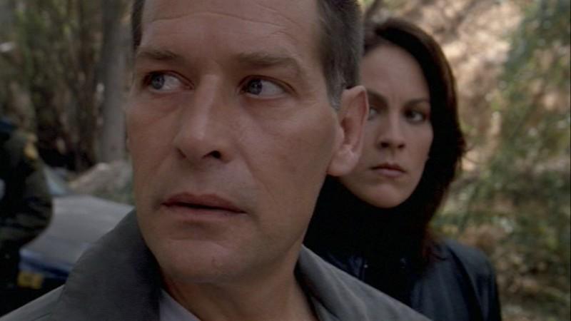 James Remar e Annabeth Gish in X-files nell\'episodio Daemonicus della stagione 9