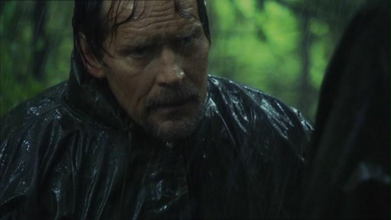 James Remar in una scena di Battlestar galactica episodio 2x07 - Home parte 2