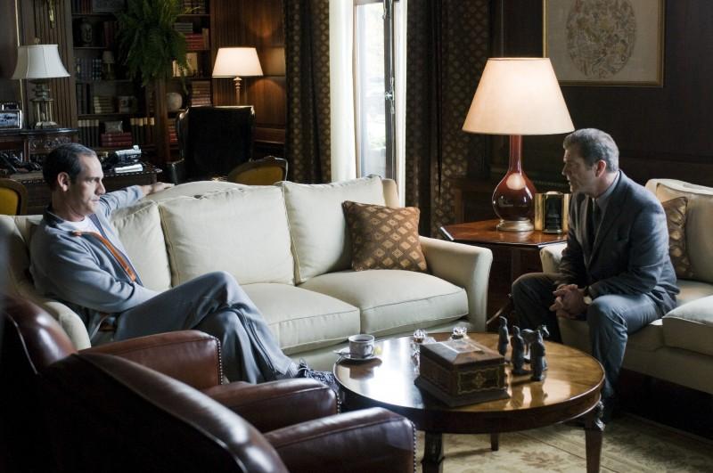 Martin Campbell e Mel Gibson sul set del film Fuori controllo