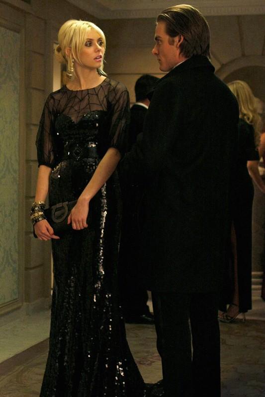 Una scena dell'episodio The Hurt Locket di Gossip Girl con Taylor Momsen e Kevin Zegers