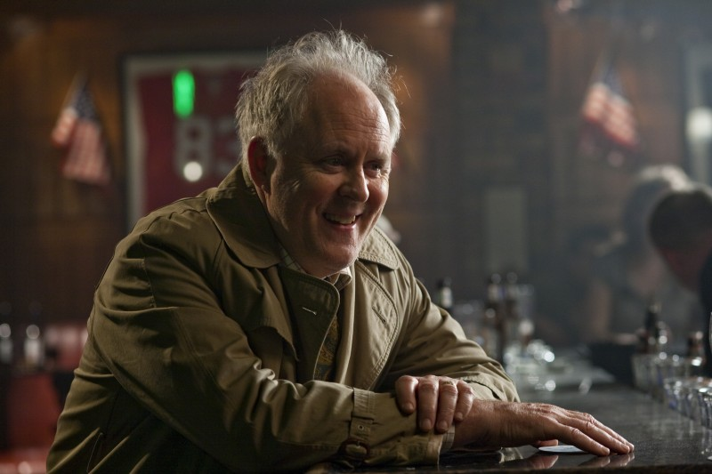 John Lithgow in una scena del film Leap Year