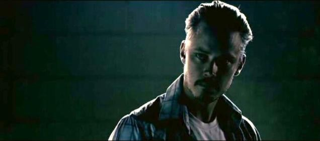 Michael Dorman interpreta Gary Parker nel film Acolytes