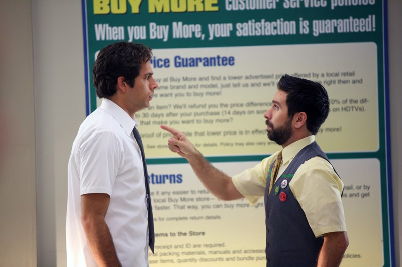 Morgan (Joshua Gomez) discute con Chuck (Zachary Levi) nell'episodio Chuck Vs. The Beard