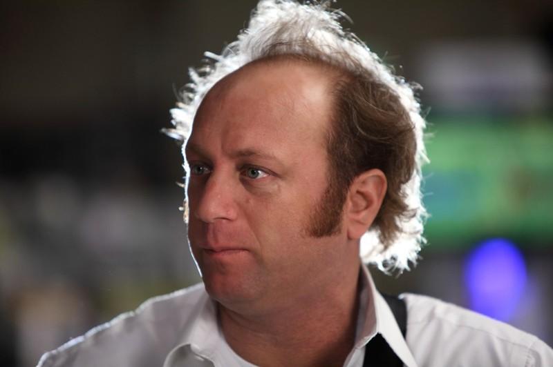 Un primo piano di Scott Krynsky nell'episodio Chuck Vs. The Beard della serie tv Chuck