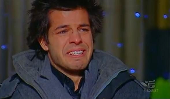 Grande Fratello 10, Giorgio Ronchin piange durante la Finale.