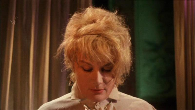Jacqueline Pierreux in una scena dell\'episodio La goccia d\'acqua del film I tre volti della paura