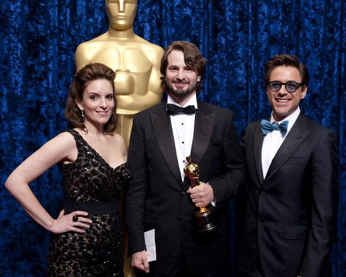 Oscar 2010, Mark Boal nel backstage con Tina Fey e Robert Downey, Jr.