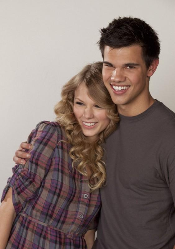 è Taylor Swift dating qualcuno da una direzione migliori siti di incontri gratuiti NZ