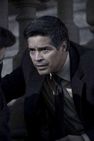 Caprica: Esai Morales nell'episodio The Imperfections of Memory