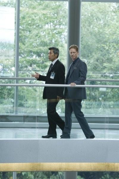 Caprica: Hiro Kanagawa ed Eric Stoltz nell'episodio Know Thy Enemy