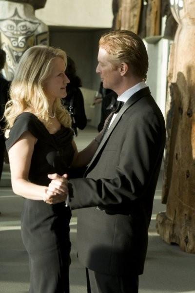 Caprica: Paula Malcomson ed Eric Stoltz nell'episodio Know Thy Enemy