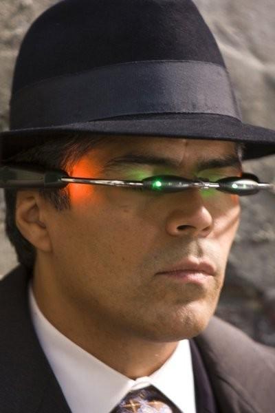 Caprica: un primo piano di Esai Morales nell'episodio The Imperfections of Memory