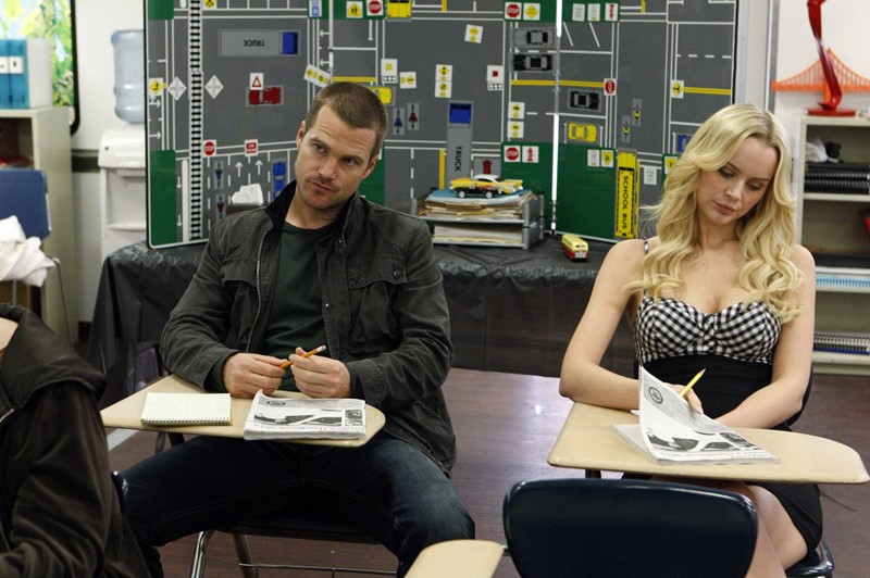 Chris O'Donnell e Helena Mattsson in una scena dell'episodio Full Throttle di NCIS: Los Angeles
